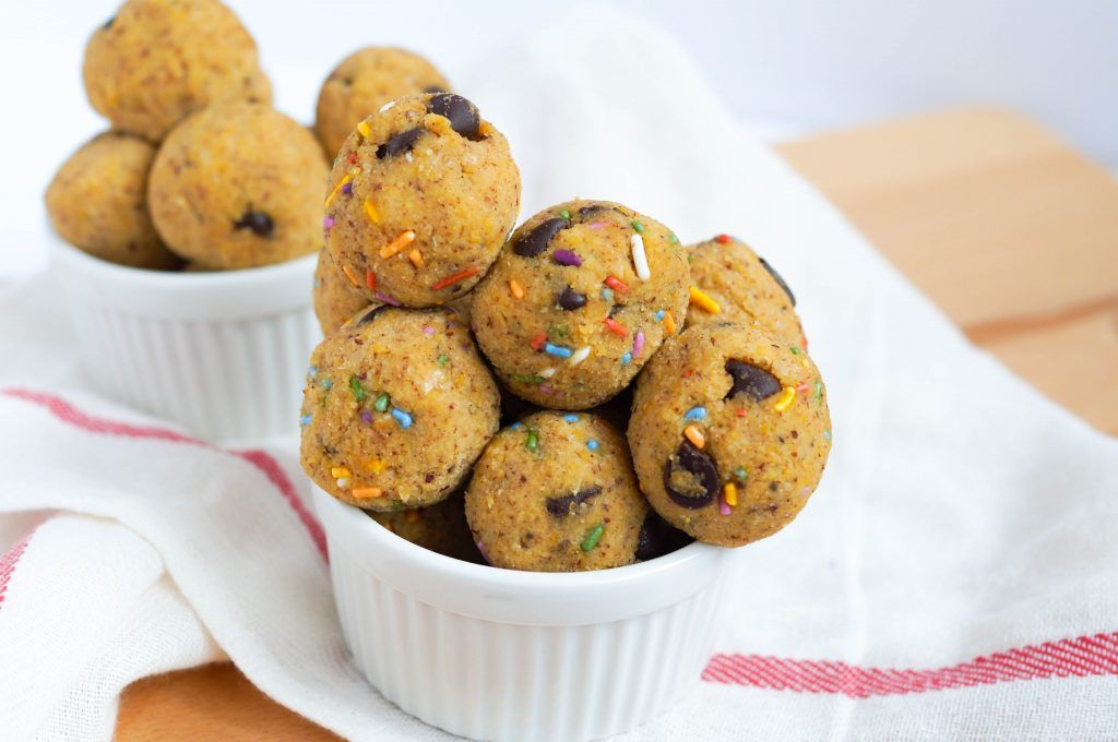 Vegan Cookie Dough Protein Balls (Gluten-free, Grain-free, Soy-free, Refined Sugar-free)
