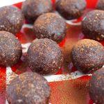 Vegan Peppermint Mocha Energy Balls (Gluten free, Vegan, Grain-free, Refined Sugar Free) a fun snack that gives you energy and tastes like a peppermint mocha!